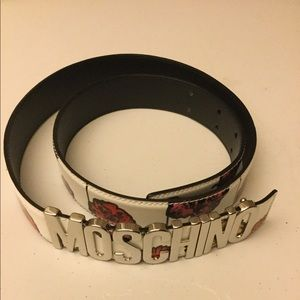 Moschino leather belt made in Italy